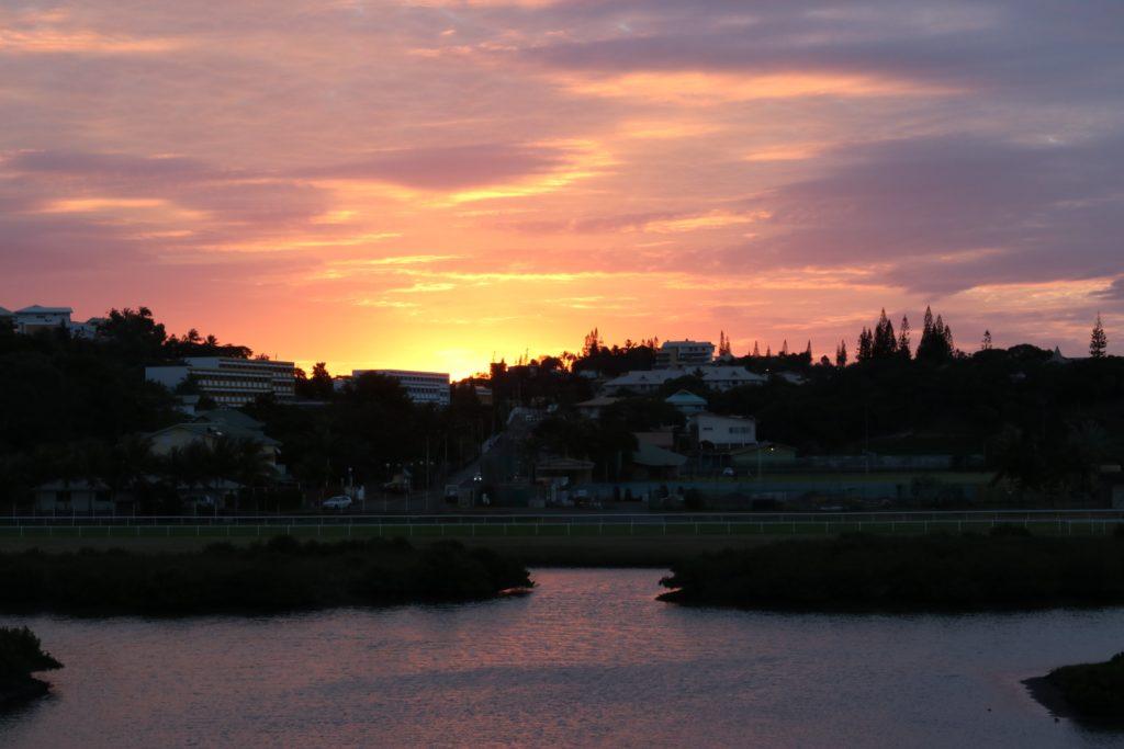 sunset-noumea-caledonie